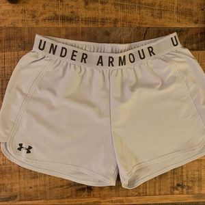 Under Armour Women's Shorts - Light Gray, Medium